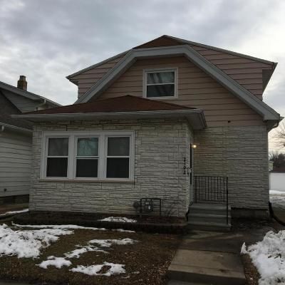 West Allis Single Family Home For Sale: 2192 S 79th St