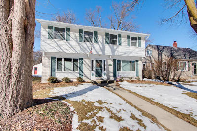 Wauwatosa Single Family Home For Sale: 10514 W Fisher Pkwy