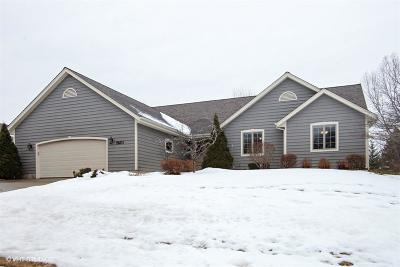 West Bend Single Family Home Active Contingent With Offer: 2520 Skyline Dr