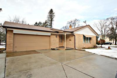 Thiensville Single Family Home Active Contingent With Offer: 607 Green Bay Rd