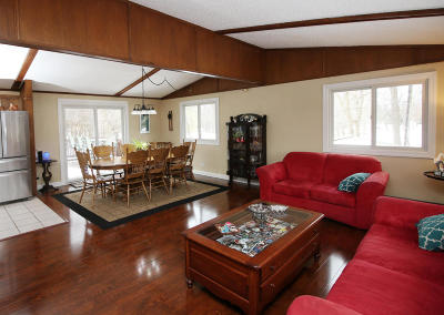 Germantown Single Family Home Active Contingent With Offer: W153n9940 Neptune Dr