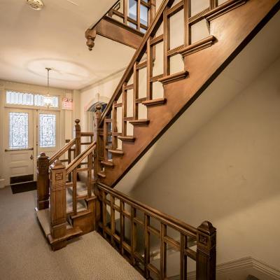 Waukesha Single Family Home For Sale: 720 N East Avenue