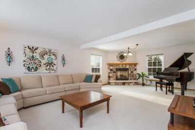 Franklin Single Family Home Active Contingent With Offer: 3018 W Yorkshire Cir