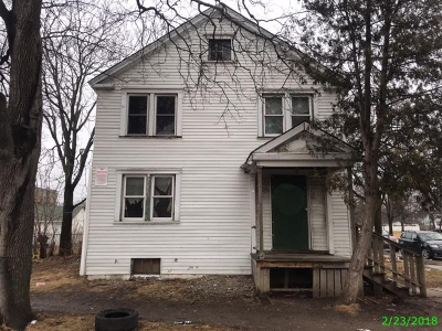 Milwaukee Single Family Home For Sale: 4369 N 26th St