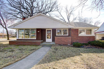 West Allis Single Family Home Active Contingent With Offer: 7405 W Dakota St