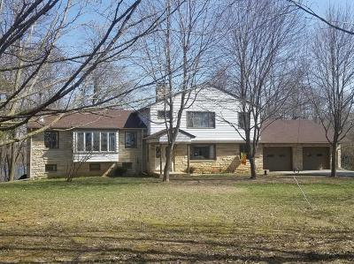 Mukwonago Single Family Home For Sale: S110w30360 Ymca Camp Rd