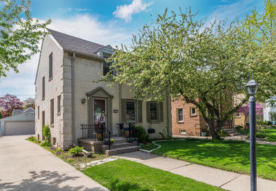 Whitefish Bay Single Family Home For Sale: 5053 N Diversey Blvd