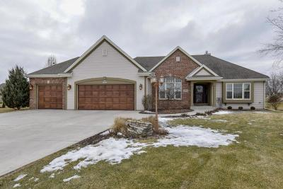 Muskego Single Family Home Active Contingent With Offer: S95w12523 Weatherwood Ct