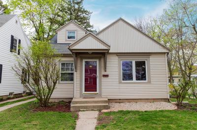 Whitefish Bay Single Family Home For Sale: 5000 N Diversey Blvd