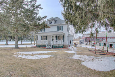 Waterloo Single Family Home Active Contingent With Offer: N8869 Jordan Rd