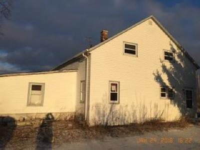 Slinger Single Family Home Active Contingent With Offer: 4455 Fond Du Lac Dr