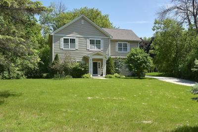 Brookfield Single Family Home For Sale: 13160 Nelson Ave