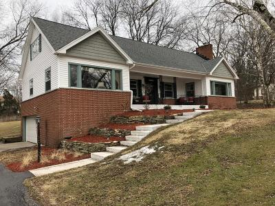 Mequon Single Family Home Active Contingent With Offer: 11750 N Silver Ave