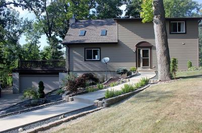 Waterford Single Family Home Active Contingent With Offer: 29412 Riverview Ln