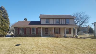 New Berlin Single Family Home Active Contingent With Offer: 2400 S Krahn Rd