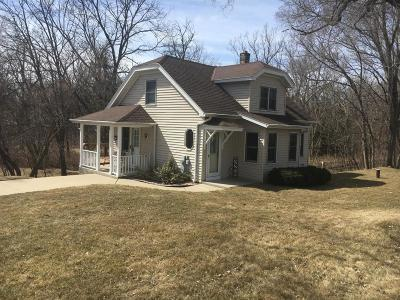 Muskego Single Family Home Active Contingent With Offer: S63 W18897 College Ave