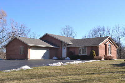 Richfield Single Family Home Active Contingent With Offer: N121w20026 Dalebrook Dr