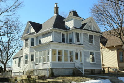 Menomonee Falls Two Family Home For Sale: N89w16669 Cleveland Ave #N89W1667