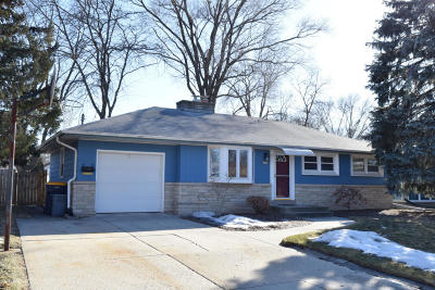 West Allis Single Family Home Active Contingent With Offer: 2815 S Aurene Cir