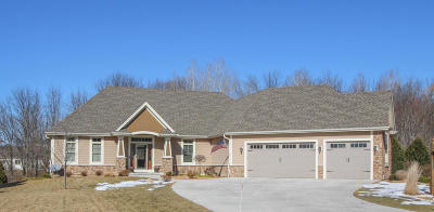 Jackson WI Single Family Home For Sale: $599,900