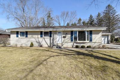Cedarburg Single Family Home Active Contingent With Offer: N87w6334 Brookdale Dr