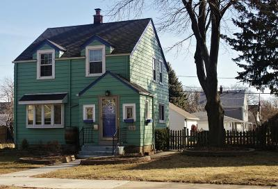 Milwaukee Single Family Home For Sale: 3558 S Pine Ave