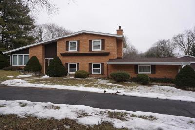 Mukwonago Single Family Home For Sale: W264s8490 Oakdale Dr
