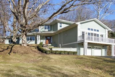 Single Family Home Active Contingent With Offer: W3136 Geneva Bay Dr