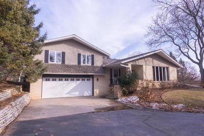 Brookfield Single Family Home Active Contingent With Offer: 1400 Mierow Ln
