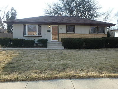 West Allis Single Family Home For Sale: 2985 S 105th St
