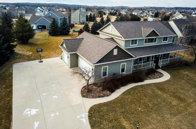 Hartland Single Family Home For Sale: 1001 River Reserve Dr