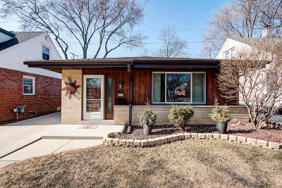 Glendale Single Family Home Active Contingent With Offer: 5677 N Argyle Ave