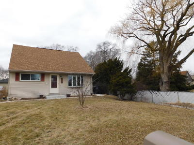 Greenfield Single Family Home For Sale: 4455 S 47th St