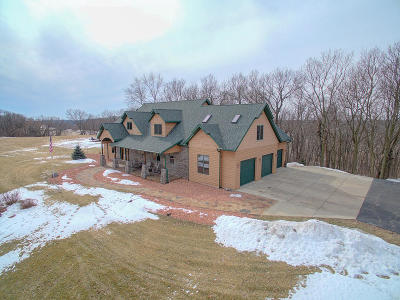 Fort Atkinson WI Single Family Home For Sale: $689,500