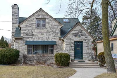Milwaukee Single Family Home Active Contingent With Offer: 453 N Story Pkwy