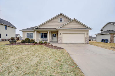 Racine County Single Family Home For Sale: 1630 Rolling Green Dr