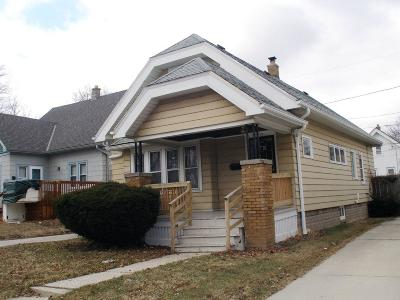 Milwaukee Single Family Home Active Contingent With Offer: 2909 N 56th St