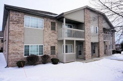 Muskego Condo/Townhouse Active Contingent With Offer: S76w16927 Gregory Dr #A