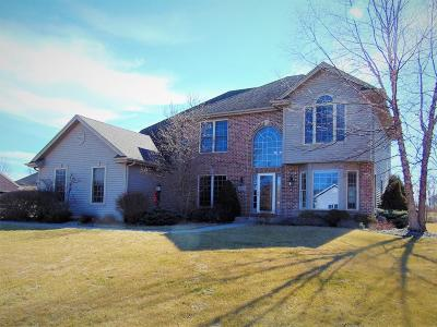 Racine County Single Family Home For Sale: 5145 Campfire Ln