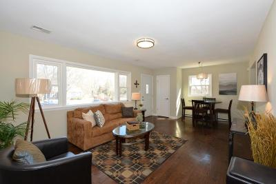 New Berlin Single Family Home Active Contingent With Offer: 5215 S Oakridge Dr