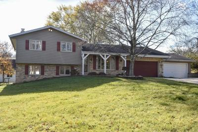 West Bend Single Family Home For Sale: 5385 Cascade Dr