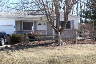 Pleasant Prairie Single Family Home For Sale: 9217 8th Ave