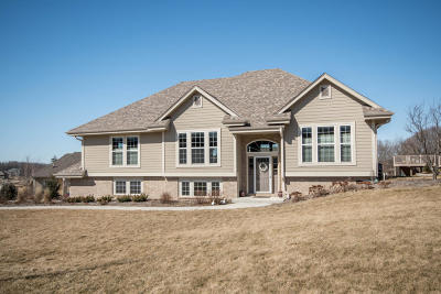 Pewaukee Single Family Home Active Contingent With Offer: W271n2445 Orchard Ln