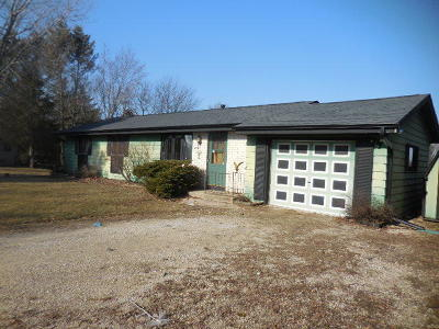 Mukwonago Single Family Home Active Contingent With Offer: W330s7653 Horseshoe Ct