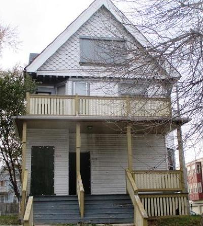 Milwaukee Multi Family Home For Sale: 2237 N 33rd St #2239