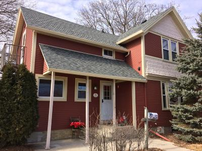 Single Family Home For Sale: 105 Wisconsin St
