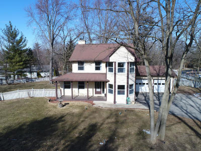 Waterford Single Family Home Active Contingent With Offer: 4420 Field Dr