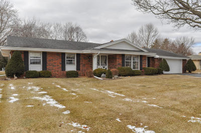 Brookfield Single Family Home Active Contingent With Offer: 3615 Chapel Rd