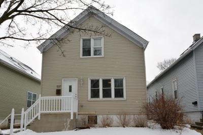 Milwaukee Single Family Home Active Contingent With Offer: 537 E Potter Ave