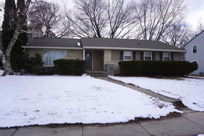 West Bend Single Family Home For Sale: 684 S 6th Ave
